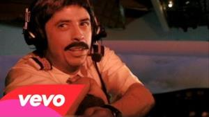 Foo Fighters - Learn To Fly (Video ufficiale e testo)