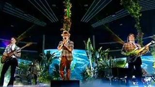 X Factor 7: gli Elio e le Storie Tese in Beautiful Day degli U2