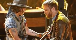 Black Keys e Johnny Depp - Lonely Boy [VIDEO]