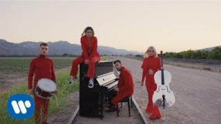 Clean Bandit - I Miss You (feat. Julia Michaels) (Video ufficiale e testo)