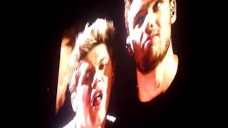 One Direction: la danza delle sopracciglia (Sydney 2013)