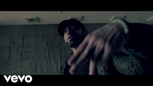 Eminem - Rise And Fall (Video ufficiale e testo)