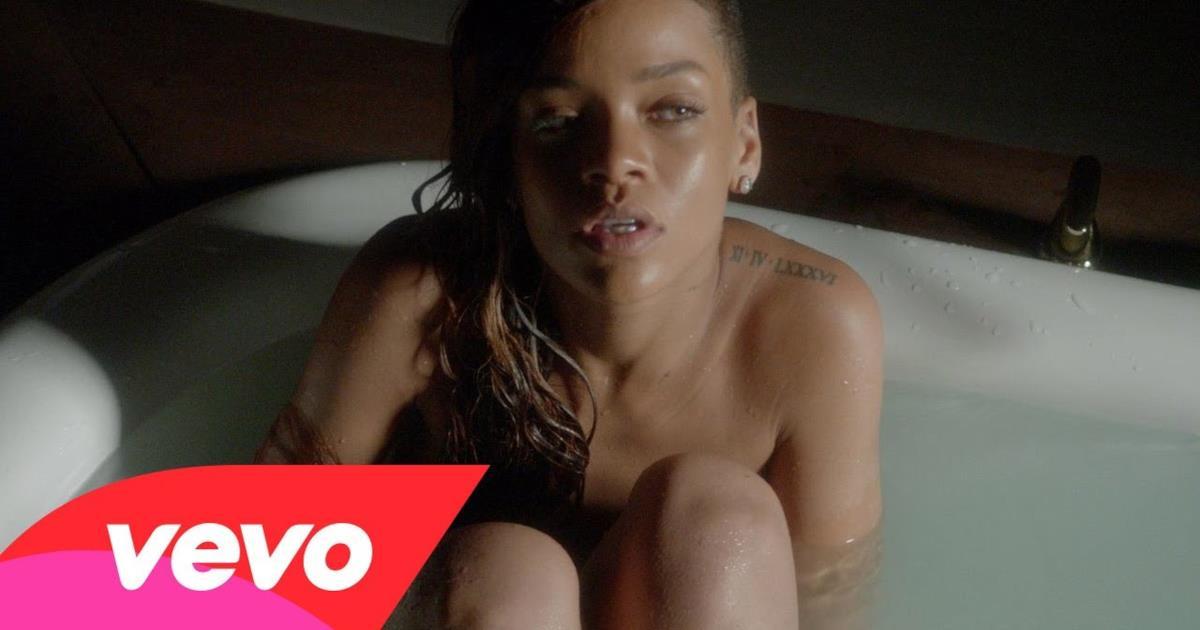 Rihanna In Vasca Da Bagno.Rihanna Ft Mikky Ekko Stay Video Ufficiale Testo E Traduzione