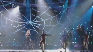 Iggy Azalea & Rita Ora - Black Widow live MTV VMA 2014 (video)