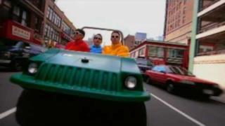 Beastie Boys - Alive (Video ufficiale e testo)