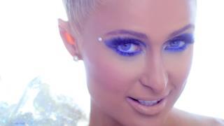 Paris Hilton - Come Alive (video ufficiale, testo e traduzione)