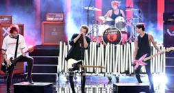 5 Seconds Of Summer - What I Like About You live AMA's 2014 (video)