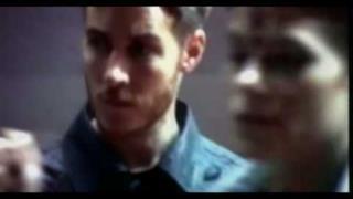 Massive Attack - Sly (Video ufficiale e testo)