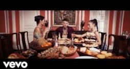 Machine Gun Kelly - Trap Paris (feat. Quavo & Ty Dolla $ign) (Video ufficiale e testo)