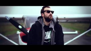 Dargen D'Amico - Odio Volare (feat. Daniele Vit) (Video ufficiale e testo)