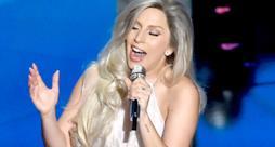 Oscar 2015, l'omaggio di Lady Gaga al film Tutti Insieme Appassionatamente (video)