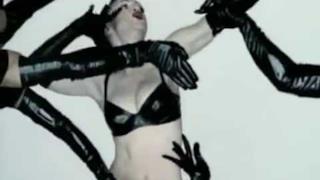 Madonna - Human Nature (Video ufficiale e testo)