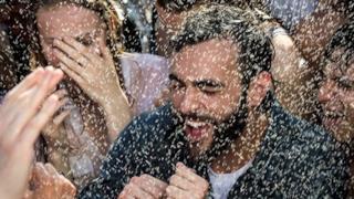 Marco Mengoni in radio con il nuovo singolo Io ti aspetto (video)