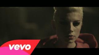 Emma - Cercavo Amore (Video ufficiale e testo)
