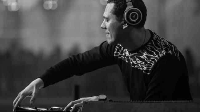 ClubLife By Tiësto Podcast 469