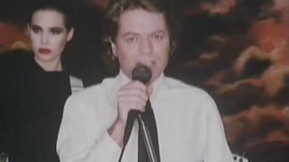 Robert Palmer - Addicted to Love (Video ufficiale e testo)