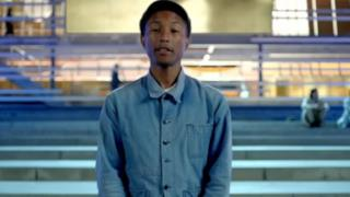 Pharrell Williams canta la libertà dei popoli nel video di Freedom