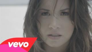 ► Demi Lovato - Skyscraper (new video 2011)