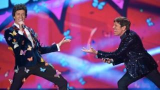 Gianni Morandi, a Zelig il duetto con Mika/Giovanni Vernia
