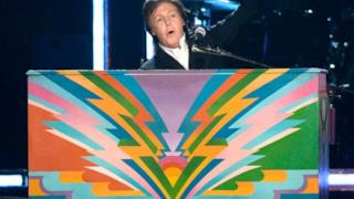 Paul McCartney e Ringo Starr: reunion Beatles ai Grammy 2014