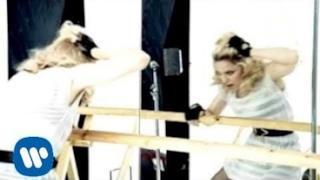 Madonna - Give It 2 Me (Video ufficiale e testo)