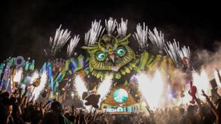 Dimitri Vegas & Like Mike @EDC Las Vegas 2015