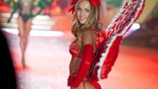 Idee di San Valentino 2014: dai un'occhiata ai look HOT delle modelle di Victoria's Secret