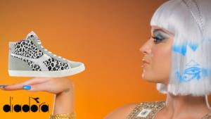"Katy Perry nel ""The making of ""di Dark Horse indossa le sneakers di Diadora e AW Lab"