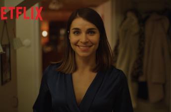 Natale con uno sconosciuto, il trailer ufficiale della serie di Natale di Netflix