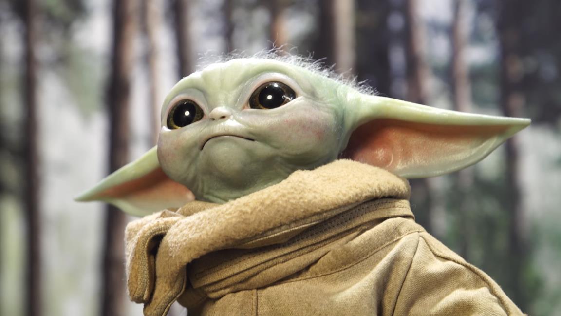 Baby Yoda di Sideshow, vi innamorerete della statua a grandezza naturale