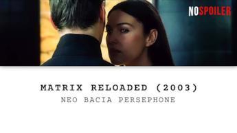 Neo bacia Persephone nel film Matrix Reloaded
