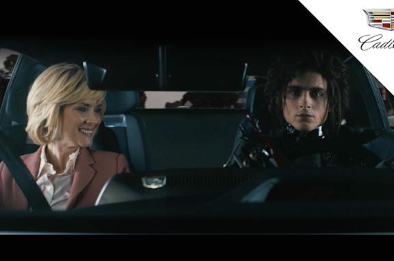 Super Bowl, Timothée Chalamet e Winona Ryder sono protagonisti dello spot a tema Edward mani di forbice