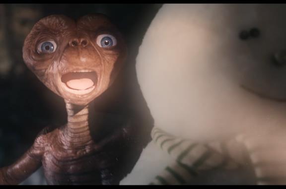 E.T. ed Elliott di nuovo insieme 37 anni dopo in uno spot TV