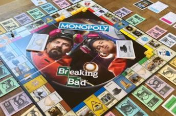 Aaron Paul e Bryan Cranston in una scena della serie Breaking Bad
