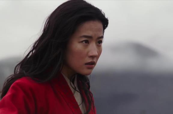 Mulan, il nuovo trailer e il poster italiano del live-action Disney