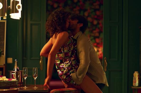 Il trailer di Valeria, serie Netflix