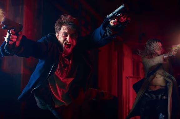 Guns Akimbo: il trailer del film dietro alle pazzesche immagini virali di Daniel Radcliffe