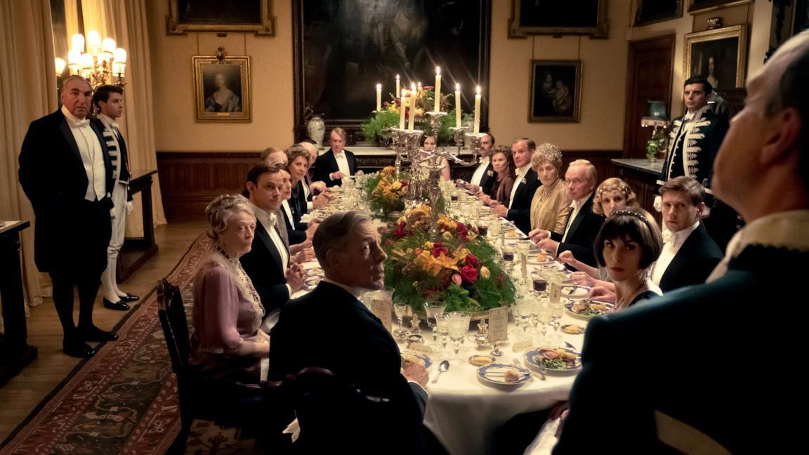 """Downton Abbey, Mary affronta i bisticci """"reali"""" della servitù in due nuove clip dal film"""